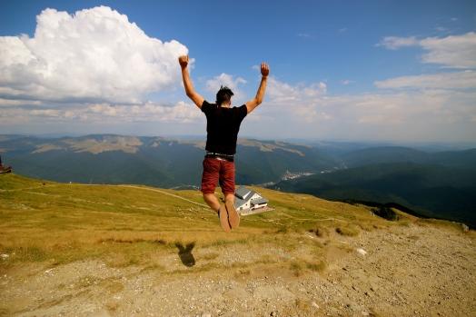 Daniel likes jumping photos.